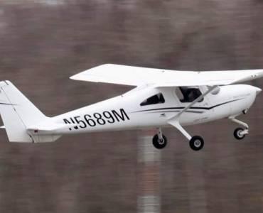Seattle Flight School   Rainier Flight Service Aircraft